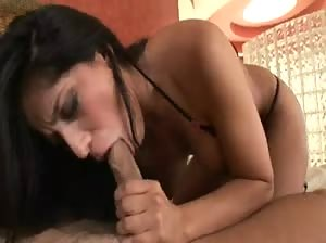 Latin hot babe Jenaveve Jolie