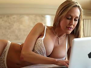 Hot stranger fucks Brandi Love's MILF pussy