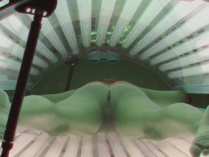Solarium voyeur just to poke dick to the beautiful ass