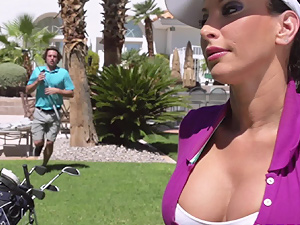 Golf lesson with Lezley Zen uses different balls