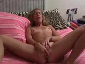 Horny blonde chick pussy-playing