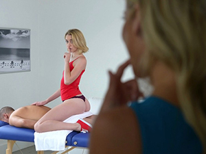 MILF Alexis and Chloe in threesome sex