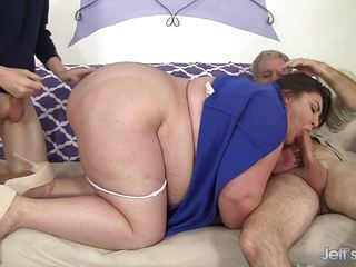 Dp balls deep chubby Bella Bendz