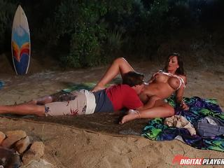 Hard cock rams its way into the clit slit of Destiny Dixon on the beach