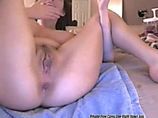Hot Big Boob Cums on Live Porn Cam