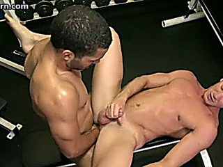 Muscle gays having anal and cumming
