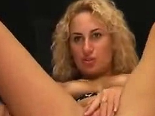 Blonde Big Boobs Dildo On Webcam -