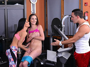 Bella and India have threesome in gym