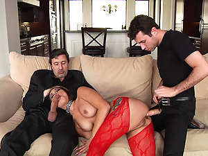 Roasting Jynx Maze gets treated to a spit roasting