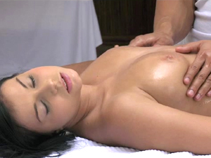 DaneJones Sensual massage for busty brunette