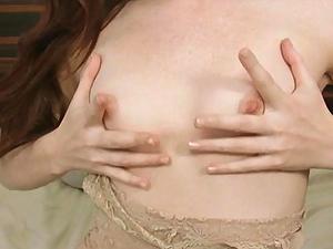 Fair babe Elle Alexandra rubs her soft clit