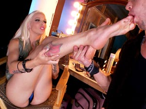 Stevie Shae in Showbiz Feet