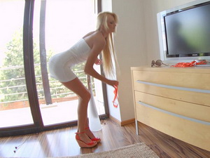 Long legged Ivana Sugar posing