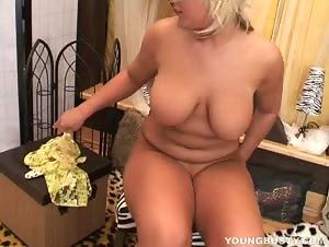 Chubby busty Scarlett masturbating