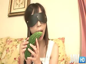 Teen Shizuku is blindfolded