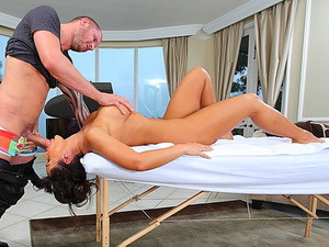 Lisa Ann gets a mind blowing massage