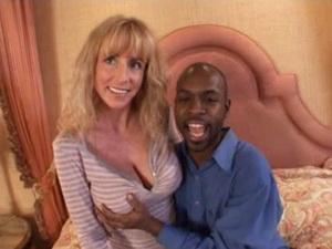 Hot mom Farrah Lynn exploited by a black dude