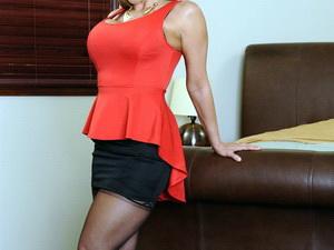 Ava Devine - Seduced By A Cougar