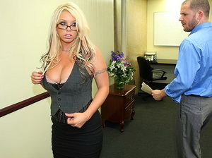 Brittney Skye is a professional cock sucker