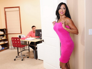 Viana Milian - Seduced By A Cougar