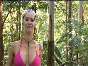 Celeb Jessica Jane Clement - Bikini
