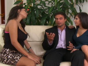 Lucky guy gets fucked and sucked by two smoking hot chicks