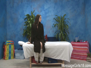 Baily Blue gives a hot massage