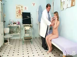 Teen Ema gyno speculum kinky detailed examination at clinic