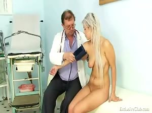Teen girl Sabina visiting her old gyno doctor to have tight pussy examined